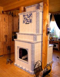 Кирпичная печь для дома в древнерусском стиле